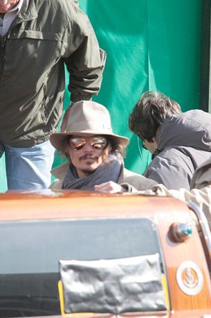 Johnny Depp esce da Palazzo Grassi a Venezia (Olycom)