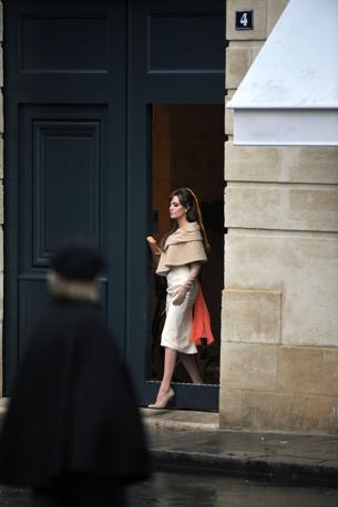 Prima di Venezia, il film The Tourist ha girato alla fine di febbraio alcune scene a Parigi con Angelina Jolie (Miguel Medina/Afp)