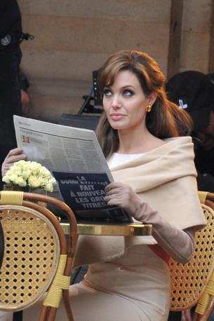 Prima di Venezia, il film The Tourist ha girato alla fine di febbraio alcune scene a Parigi con Angelina Jolie (Photomasi)