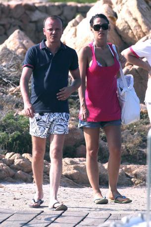 Gigi D'Alessio con Anna Tatangelo in vacanza in Sardegna, all'arcipelago della Maddalena (Olympia)