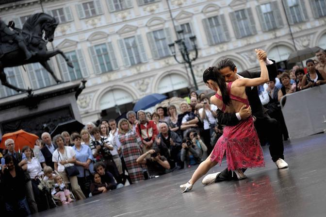 Tango in Piazza San Carlo, giornata inaugurale della manifestazione (Foto LaPresse)