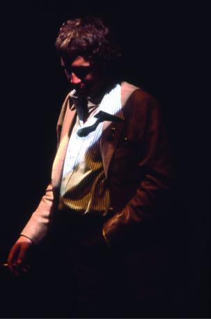 """L'immagine di copertina della raccolta """"E cantavo le canzoni"""""""