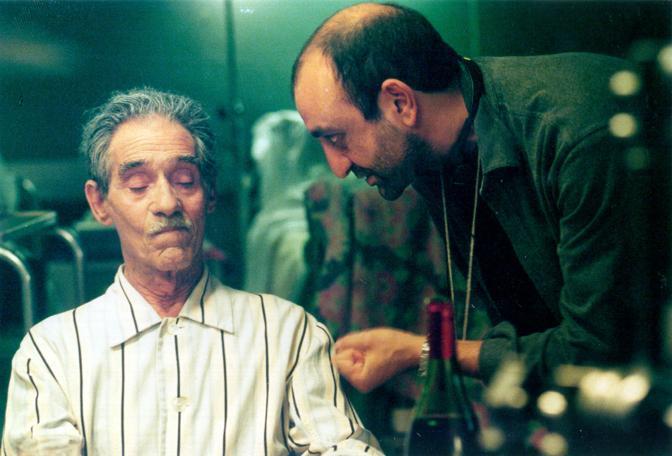 Con il regista Vincenzo Terraciano nel film «Ribelli per caso» (Ansa)