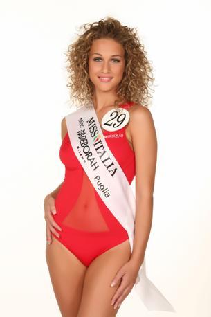 Alessia Lippolis - Miss Deborah Milano Puglia. È nata a Putignano (BA), dove vive, il 3/10/1992 sotto il segno della Bilancia. Occhi azzurri e capelli biondi, Alessia è alta 1.71 m. e studia al Liceo scientifico.