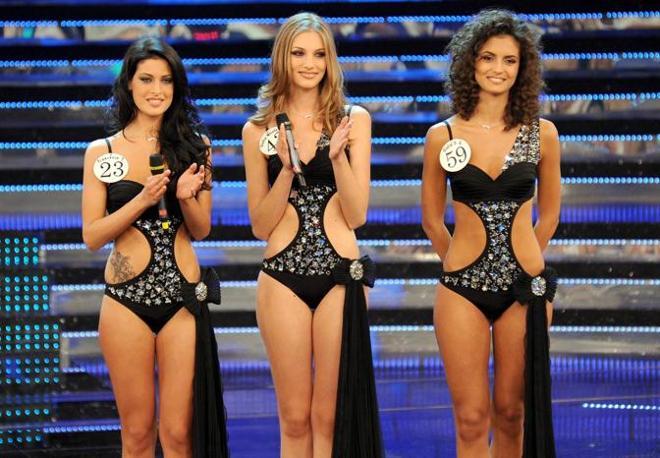 Le tre finaliste Francesca Testasecca, Giulia Nicole Magro e Giulia Di Quinzio (Milestone Media)