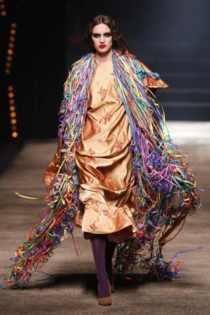 Vivienne Westwood sceglie i colori forti (Reuters)