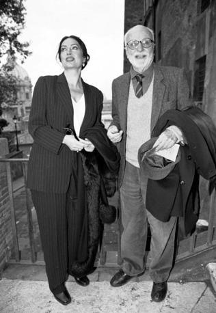 Con l'attrice Turkan Soray nel 1999