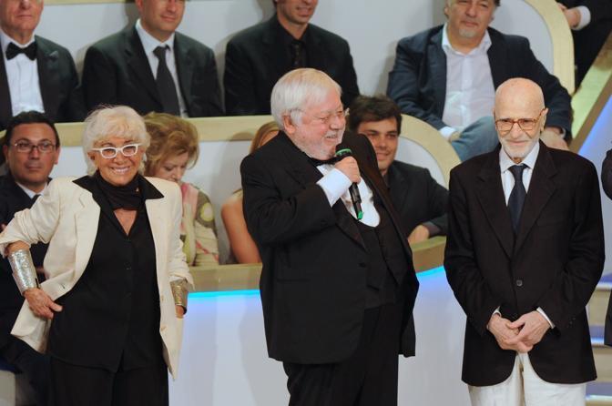 A Roma, nel maggio 2009, alla premiazione dei  David di Donatello, con Lina Wertmuller e Paolo Villaggio (Agf)