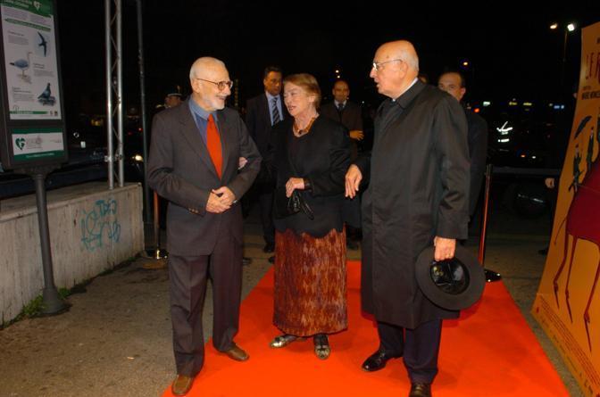 Alla premiere del film «Le rose del deserto», con il presidente Giorgio Napolitano e la moglie Clio (Agf)