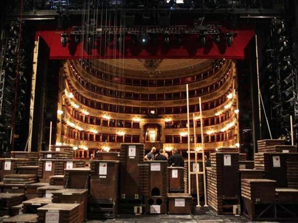 Le prove del Walküre di Richard Wagner, diretto da Daniel Barenboim al Teatro alla Scala di Milano. La prima, come di consueto, è in programma per martedì 7 dicembre alle 17. Lo spettacolo durerà 5 ore