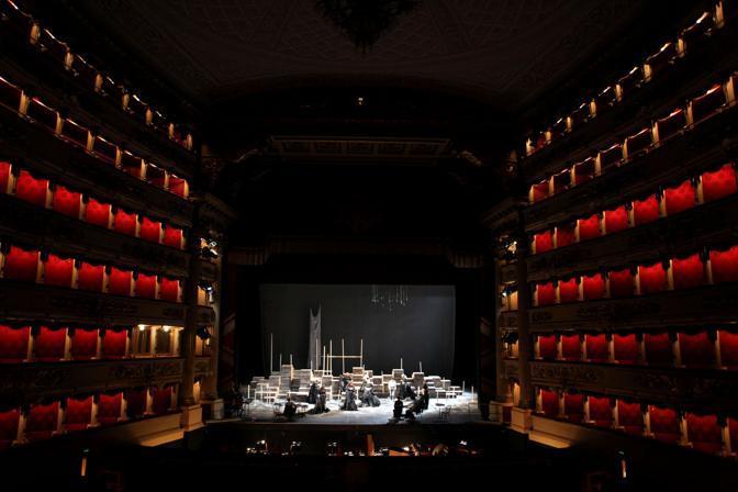 Il palcoscenico della Scala durante l'allestimento dell Walküre diretto da Daniel Barenboim