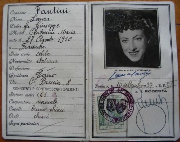La carta d?identità falsa in possesso di Laura D?Oriano al momento dell?arresto
