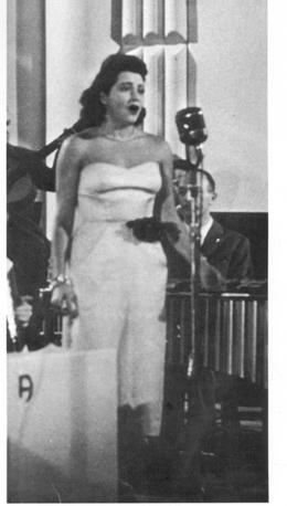 «Vola colomba» fu la canzone-simbolo della ricostruzione (archivio Rcs Quotidiani)