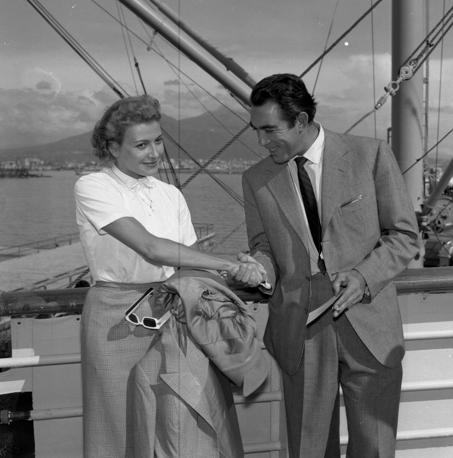 Con Anthony Quinn nel 1955 (Ansa)
