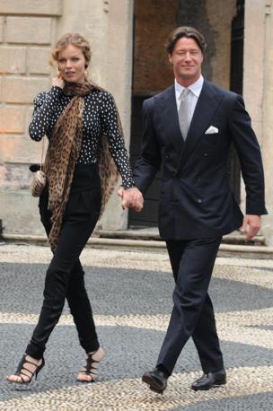 Eva Herzigova con Gregorio Marsiaj (Splash News/Gigi Iorio)