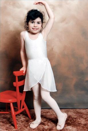 A cinque anni, in posa da ballerina (Olycom)