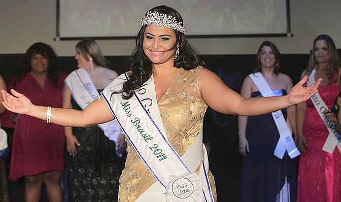 """La vincitrice del concorso per bellezze oversize """"Miss Brazil Plus Size"""" (Ap)"""