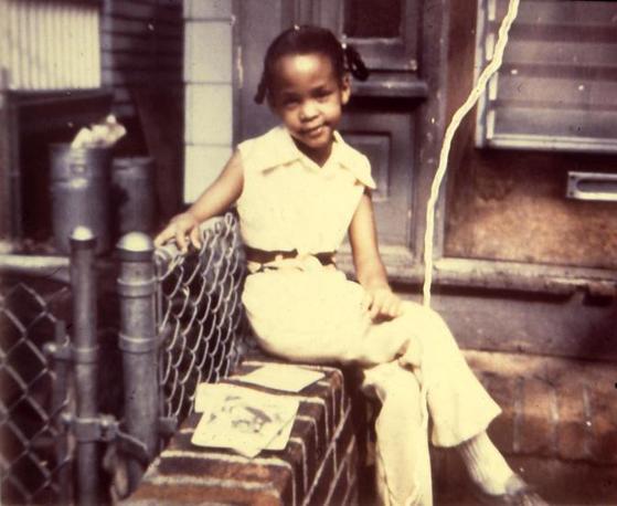 Whitney da bambina (Liverani)