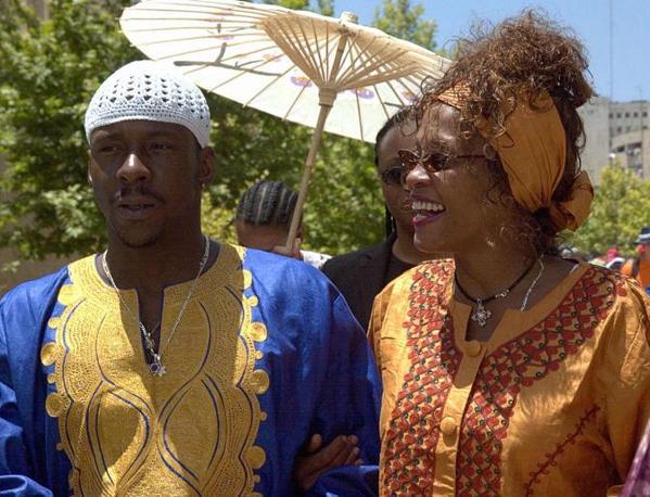 Di nuovo con il marito Bobby Brown (Afp)