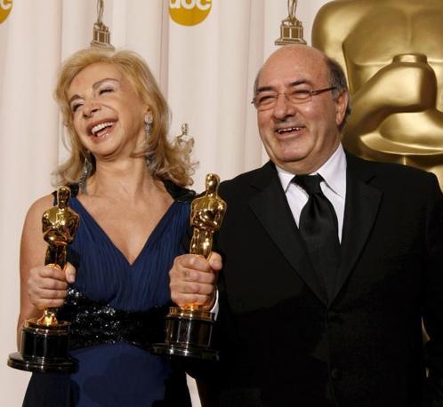 Agli italiani Dante Ferretti e  Francesca Lo Schiavo gli Oscar per la miglior scenografia per «Hugo Cabret» (Epa)