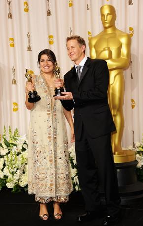 Daniel Junge (destra) e Sharmeen Obaid-Chinoy: miglior cortometraggio documentario, �Saving Face� (Afp)