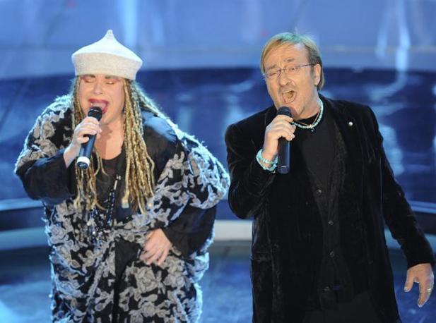 Con Malika Ayane al Festival di Sanremo del 2009 (Ap/Calanni)