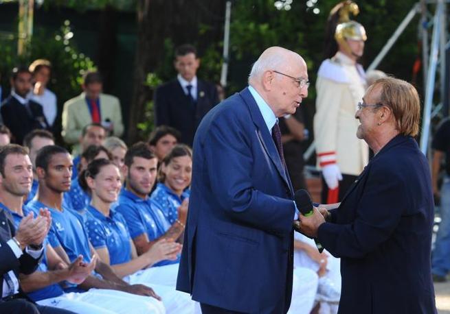 A Pechino con gli atleti italiani e il presidente della Repubblica Giorgio Napolitano (Ansa/Tedeschi)