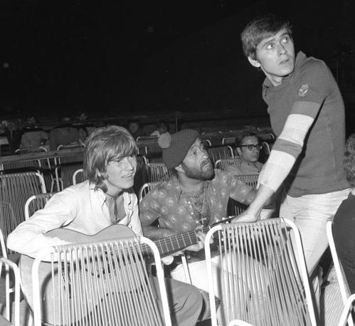 Ron, Lucio Dalla e Morandi nel 1971 al Cantagiro (Olycom)