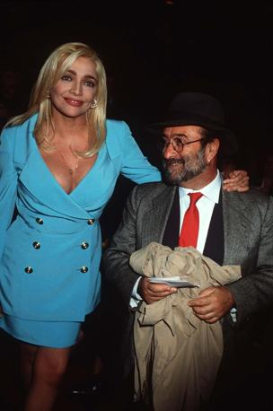 Con Mara Venier in una vecchia immagine (Olycom)