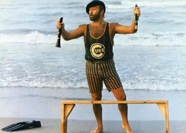 Nel 1980 al mare con il clarinetto (Fotogramma)