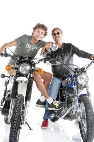 Valentino Rossi e Lucio Dalla in sella alle loro moto (Olycom)