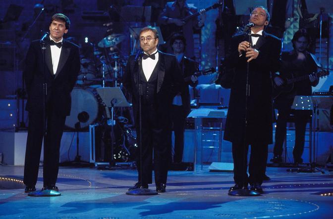 """Durante lo show televisivo """"C'era un ragazzo"""" con Gianni Morandi ed Eros Ramazzotti (Olycom)"""
