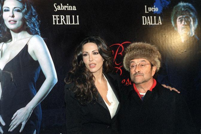 """Dalla con Sabrina Ferilli alla presentazione del programma tv """"La bella e la bestia"""" (Olycom)"""