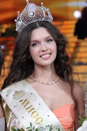 Yelizaveta Golovanova � Miss Russia 2012 (Olycom)