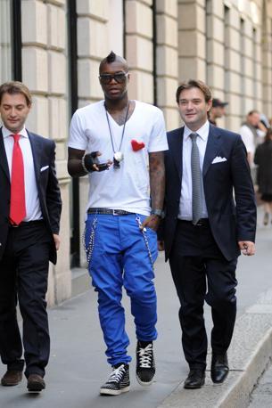 La passione delle star: le scarpe borchiate. Nella foto l'attaccante Djibril Cissé (Olycom)