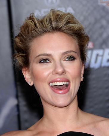 "Scarlett Johansson alla prima del film ""The Avengers"" a Los Angeles (Olycom)"