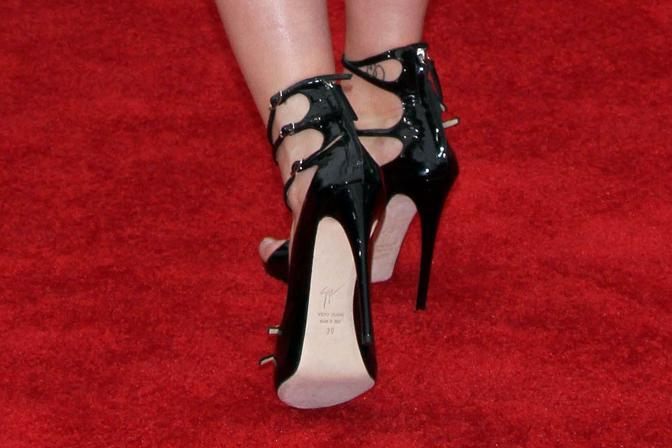 L&#39;elegante stiletto di Scarlett Johansson  (Olycom)