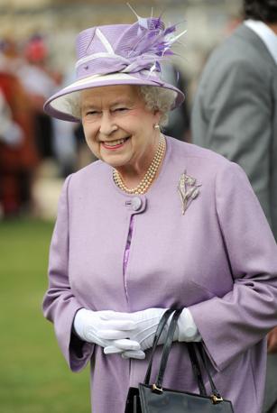 Kate middleton ricicla il vestito for La regina anne casa