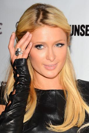 Paris Hilton a Los Angeles, in total black al party (Olycom)
