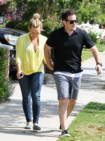 Hilary con il marito Mike Comrie (Olycom)