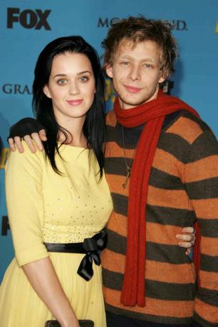 Johnny Lewis con l'ex fidanzata Katy Perry nel 2006 (Olycom)