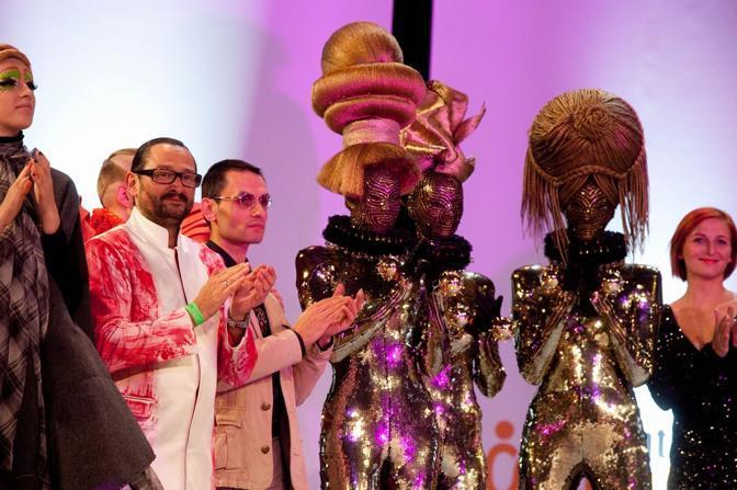 Alla fine dello show, applausi per le creazioni più bizzarre (LaPresse)