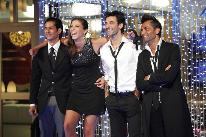 L'ultimo atto del Grande Fratello edizione numero 11. I quattro finalisti: Andrea, il vincitore del reality, Margherita, Ferdinando e Jimmy (Ansa)