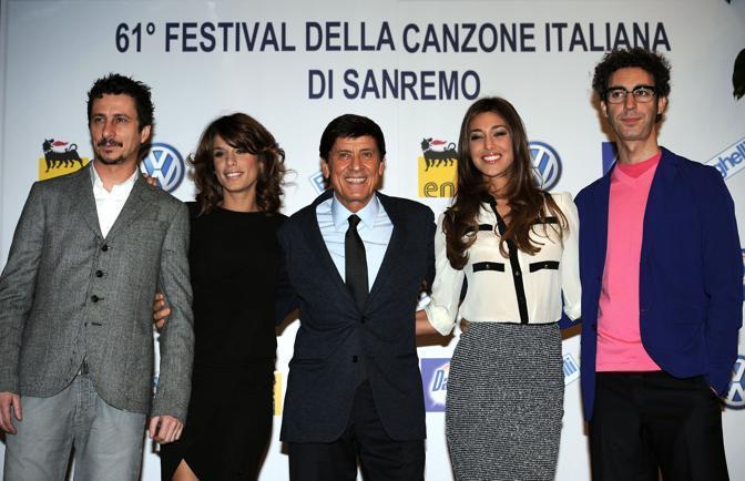 Morandi, la Canalie e la Rodriguez con Luca Bizzarri e Paolo Kessisoglu (Ansa)