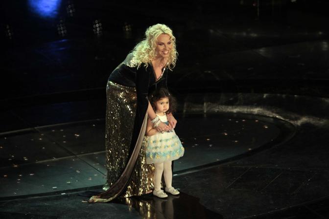 Antonella Clerici con la figlia  Maelle (Italyphotopress)
