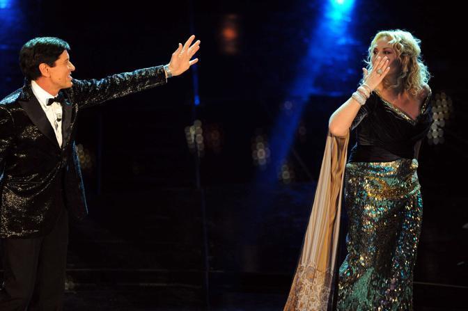 Gianni Morandi e Antonella Clerici (Infophoto)
