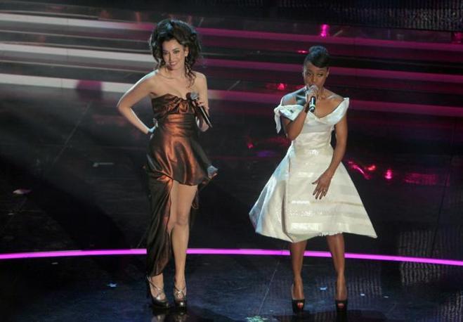 Notte dei duetti nella terza serata del Festival della canzone italiana di Sanremo: Nina Zilli con Skye Edwards (Italy Photo Press)