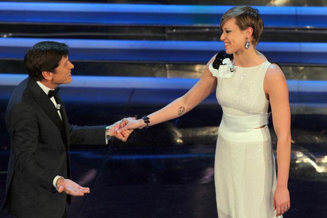 Gianni Morandi con la noutatrice Federica Pellegrini (Italy Photo Press)
