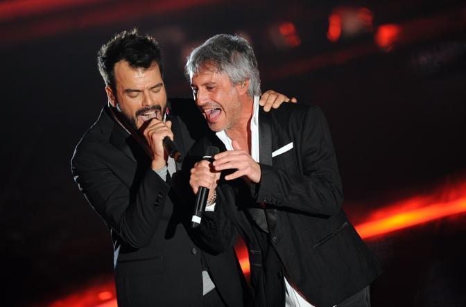 Francesco Renga con Sergio Dalma  (Ansa)