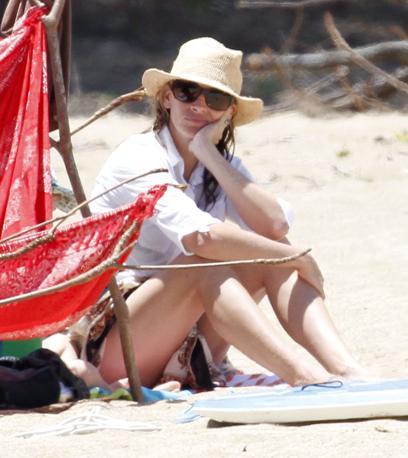 Julia Roberts in vacanza nell'isola di  Kauai  alle Hawaii (Lapresse)
